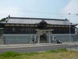 石屋神社の長屋式の門
